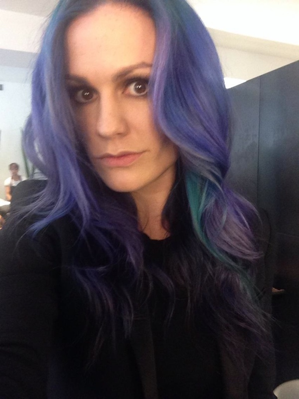 anna paquin purple hair2 True Bloods Anna Paquin Dyes Her Hair Purple