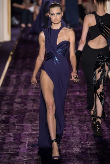Atelier Versace Does Body-Con Haute Couture for Fall 2014 Show