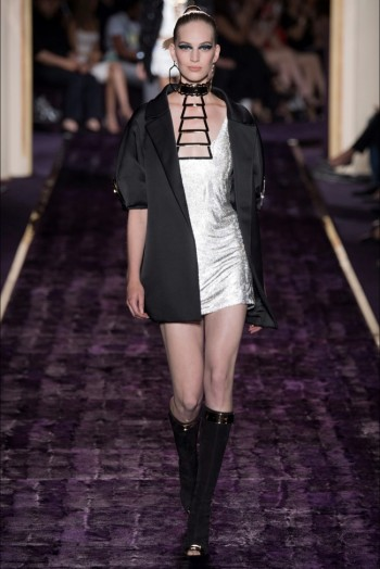 atelier-versace-2014-fall-haute-couture-show19