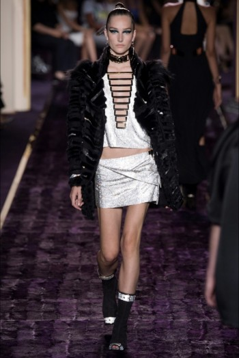 atelier-versace-2014-fall-haute-couture-show20