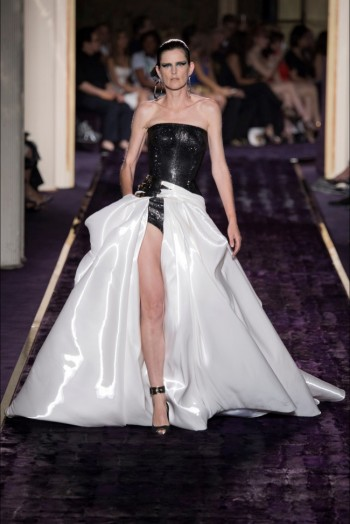 atelier-versace-2014-fall-haute-couture-show31