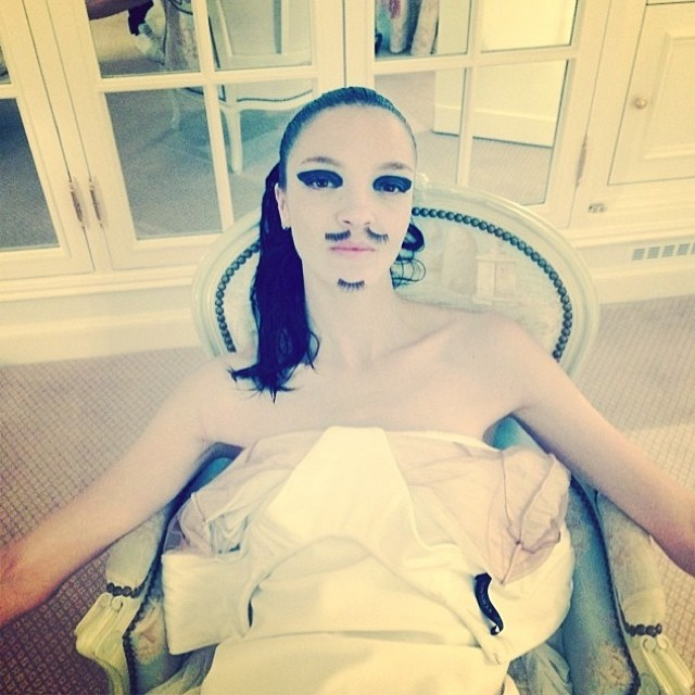 atelier versace Instagram Photos of the Week | Lara Stone, Mariacarla Boscono + More Models