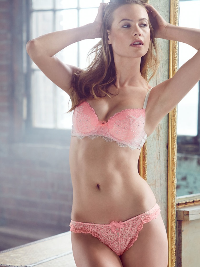 behati prinsloo lingerie shoot11 Just Lounging: Behati Prinsloos Sexy New Victorias Secret Images