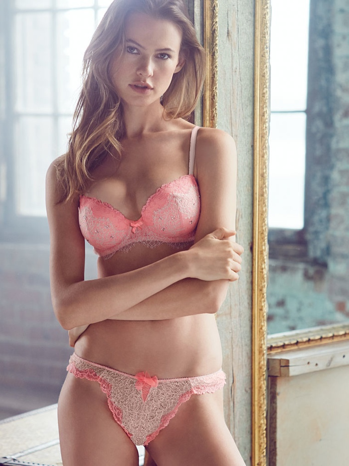 behati prinsloo lingerie shoot8 Just Lounging: Behati Prinsloos Sexy New Victorias Secret Images