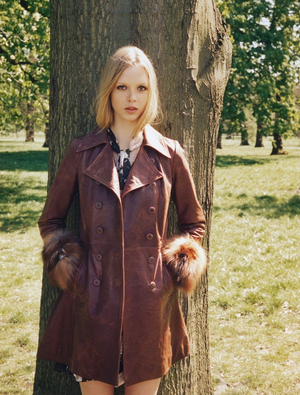 blugirl fall winter 2014 campaign7 Dani Witt is 60s Chic for Blugirls Fall/Winter 2014 Campaign