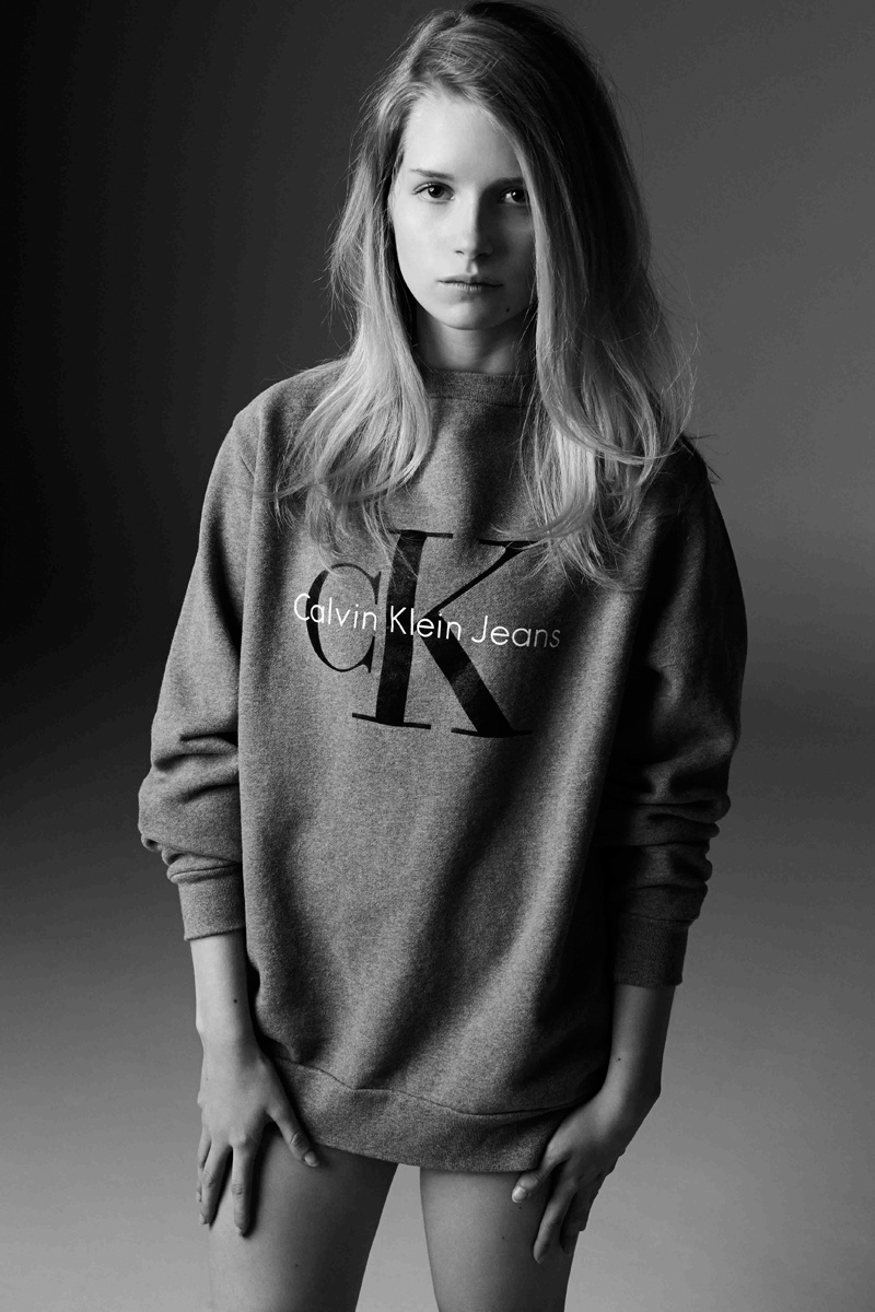calvin klein jeans mytheresa lottie moss7 Lottie Moss Poses for Calvin Klein Jeans x mytheresa Collaboration