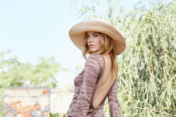 camille-rowe-reformation-collection9