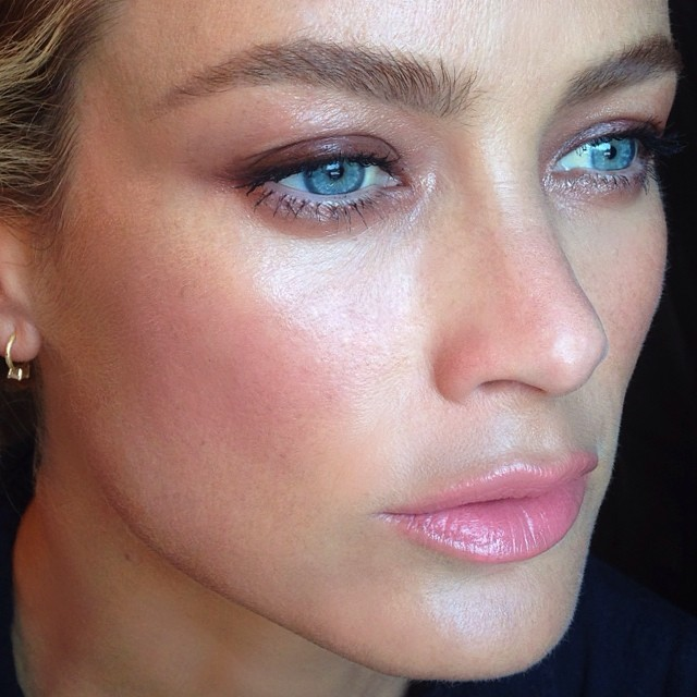 Carolyn Murphy poses in beauty snap by Hung Vanngo