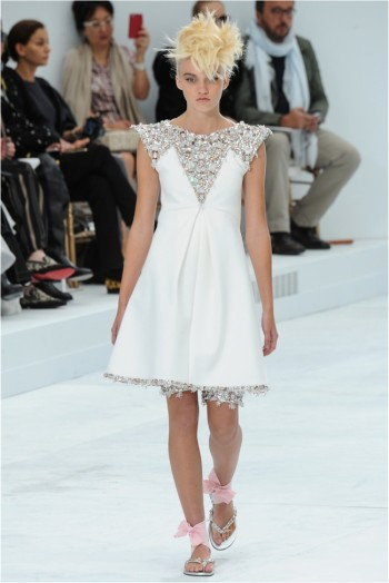 chanel-haute-couture-2014-fall-show51