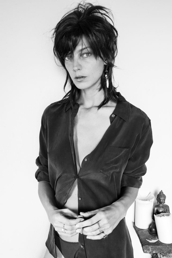 daria werbowy equipment 2014 fall winter campaign2 Daria Werbowy Styles & Photographs Herself for Fall Equipment Ads