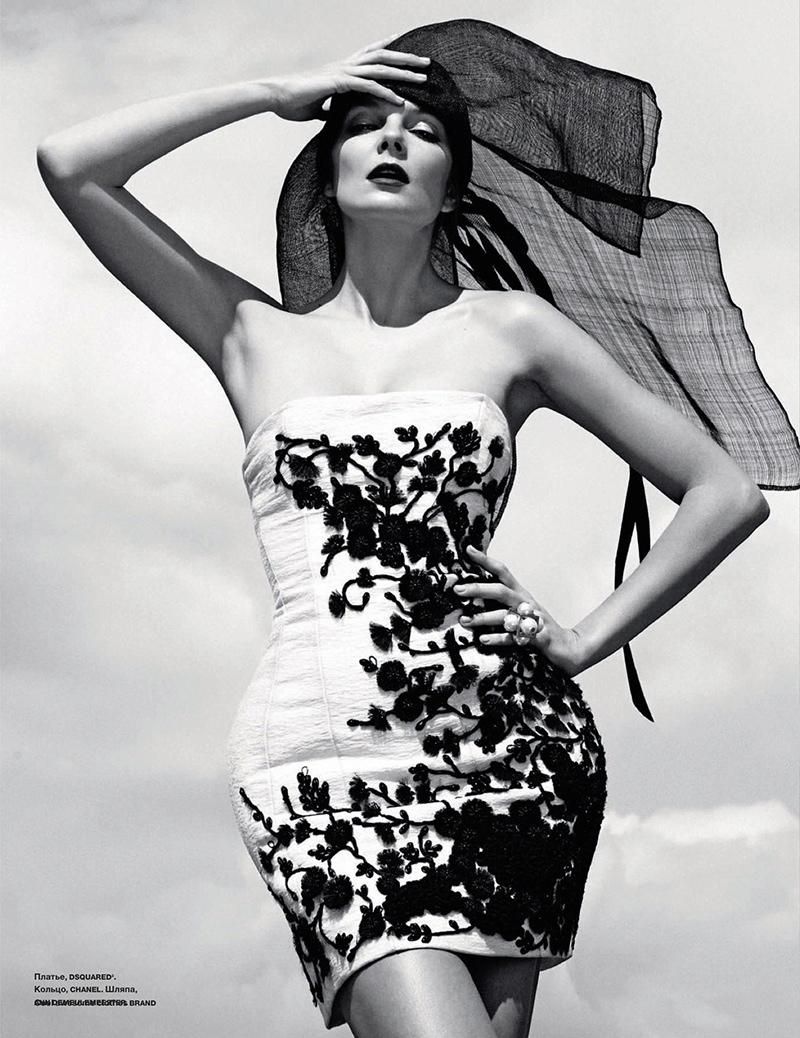 eniko-mihalik-black-white3