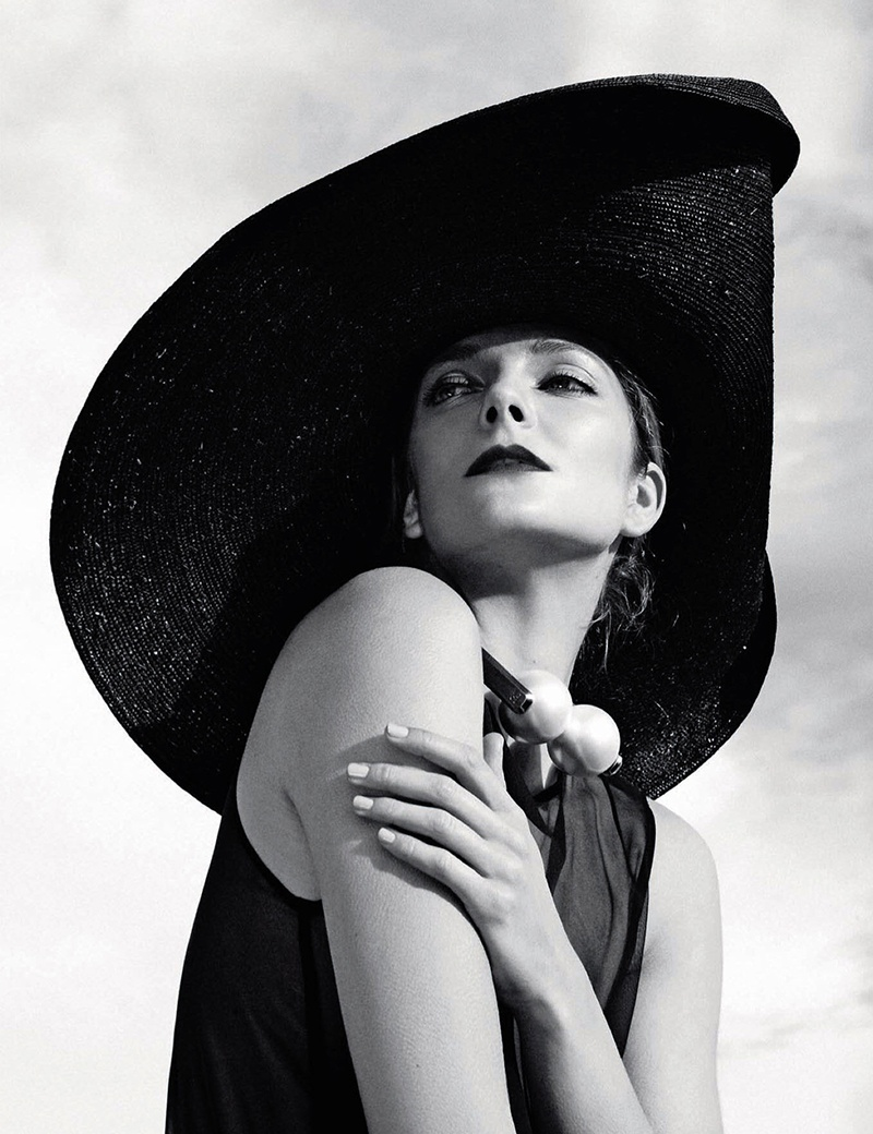 eniko mihalik black white7 Eniko Mihalik is a Timeless Beauty for Numero Russia Shoot by Van Mossevelde + N