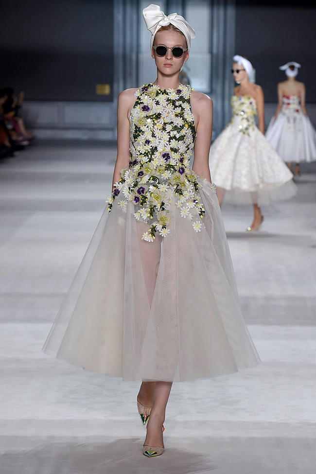giambattista valli fall 2014 haute couture show15 Giambattista Valli Goes Old Hollywood for Fall 2014 Couture