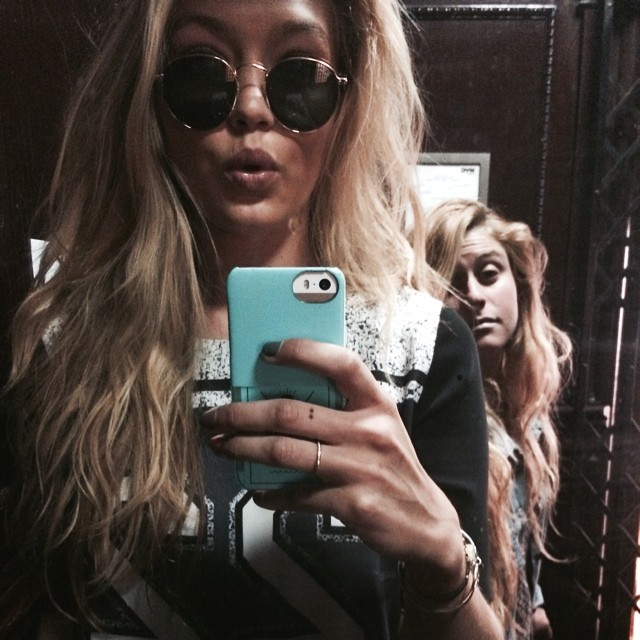 gigi selfie1 Instagram Photos of the Week | Karolina Kurkova, Doutzen Kroes + More Models