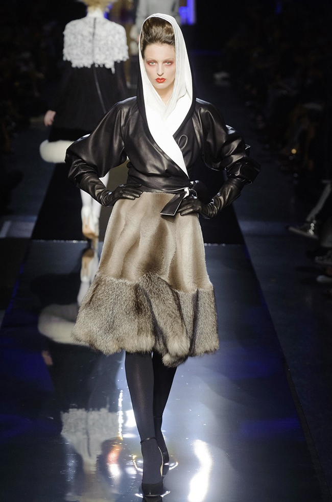 jean paul gaultier 2014 fall winter show13  Jean Paul Gaultier Sends Vamps Down the Runway for Fall Couture