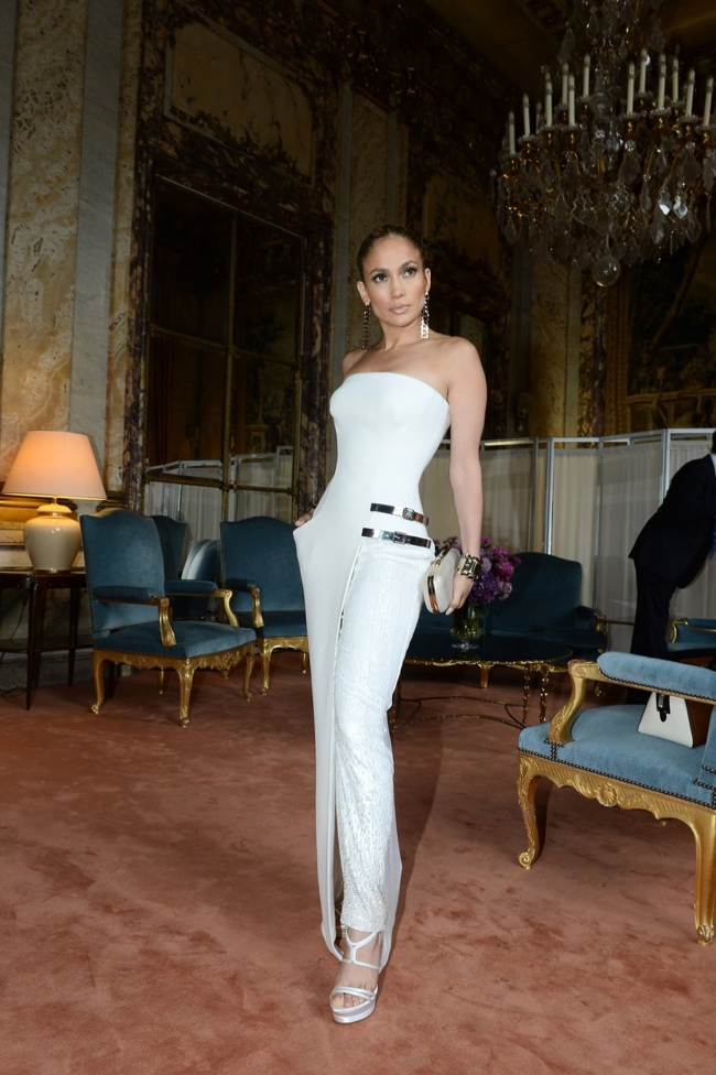 Jennifer Lopez Wears Atelier Versace at Couture Fashion Week