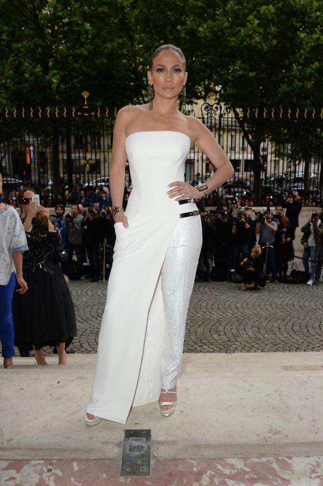 jennifer lopez atelier versace dress3 Jennifer Lopez Wears Atelier Versace at Couture Fashion Week