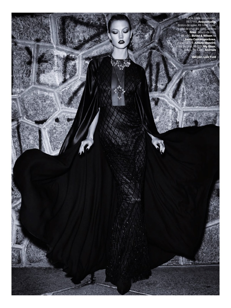 karlie kloss henrique gendre gothic1 Karlie Kloss is Gothic Glam for Vogue Brazil Shoot by Henrique Gendre