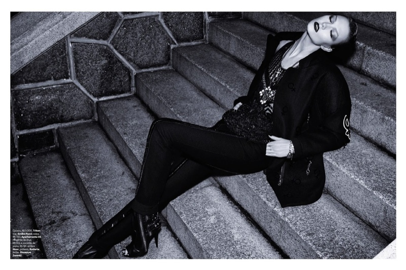 karlie kloss henrique gendre gothic6 Karlie Kloss is Gothic Glam for Vogue Brazil Shoot by Henrique Gendre