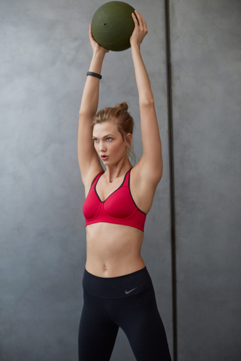 karlie kloss nike workout photos5 Karlie Kloss Works Out in Nikes Fall Collection for New Shoot