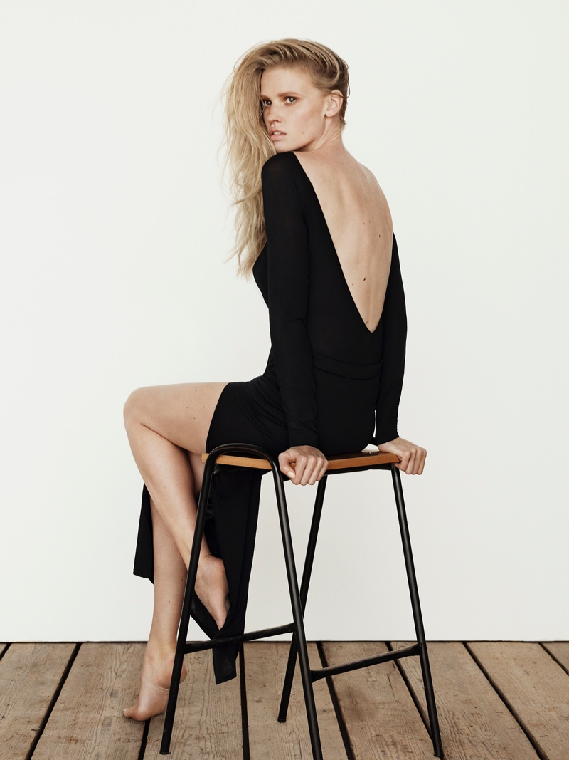 lara stone body shoot2 Lara Stone Stars in The Edit, Talks Post Baby Body