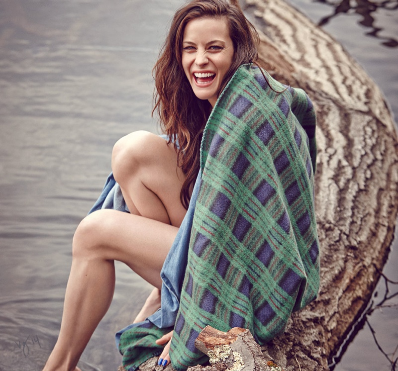 liv tyler 2014 shoot3 Liv Tyler is All Smiles for Violet Grey Shoot