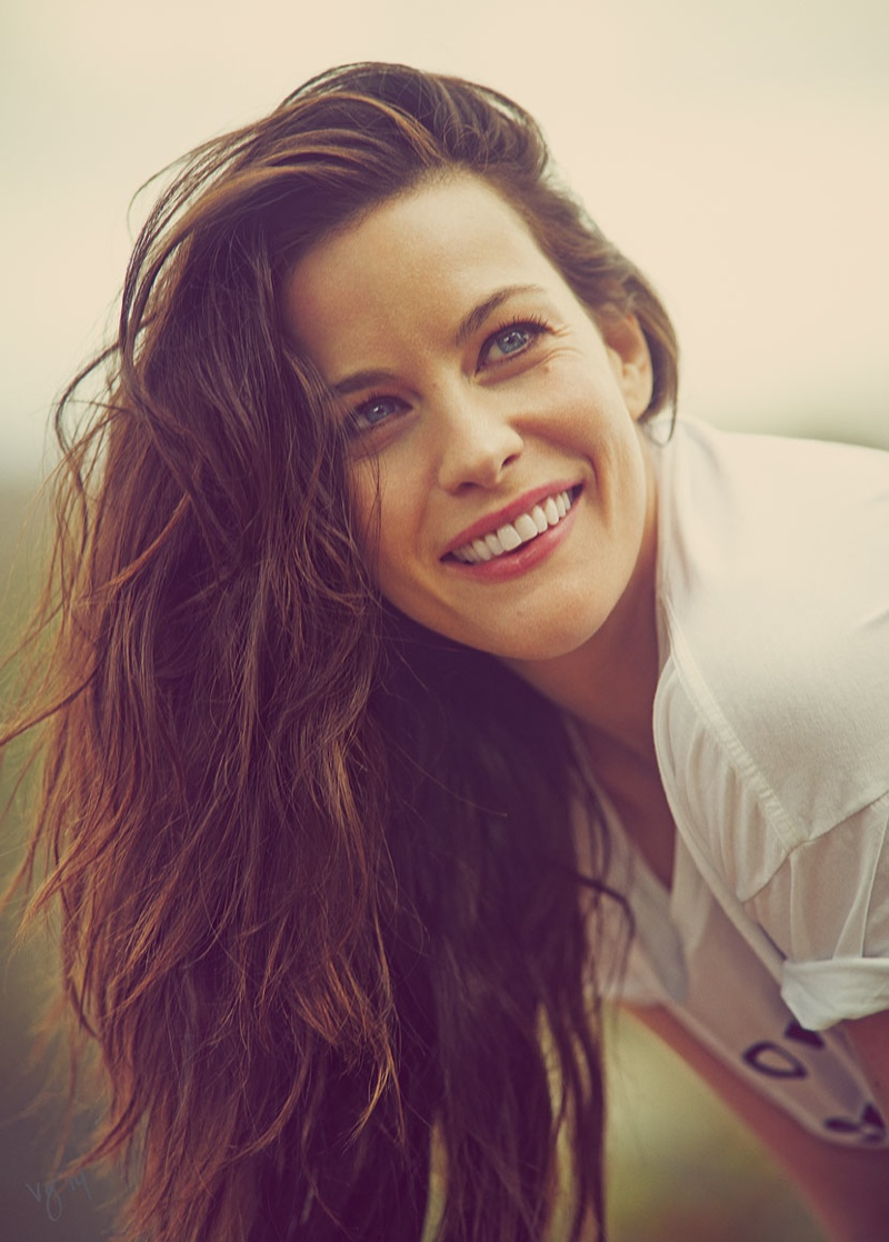 liv tyler 2014 shoot4 Liv Tyler is All Smiles for Violet Grey Shoot