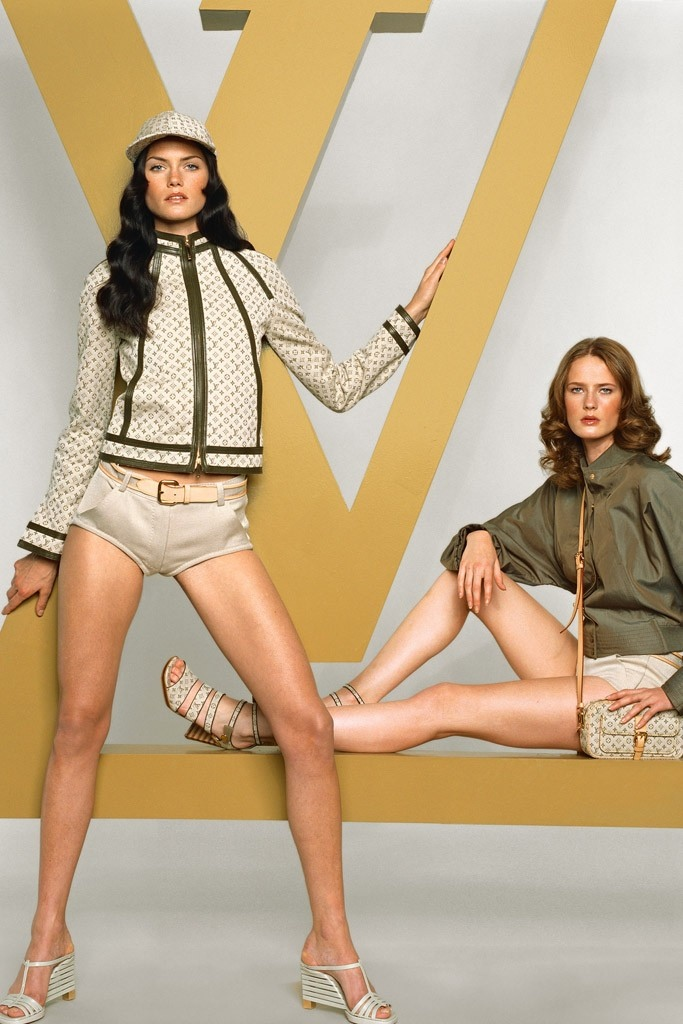 louis vuitton fashion photography3 Louis Vuitton Celebrates Visual History with Fashion Photography Book