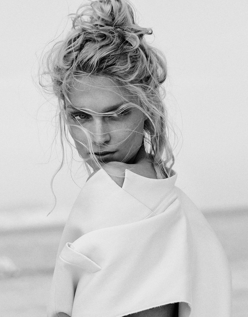 melissa tammerijn xavi gordo photos2 Melissa Tammerijn is a Beach Beauty for Xavi Gordo in Elle Russia