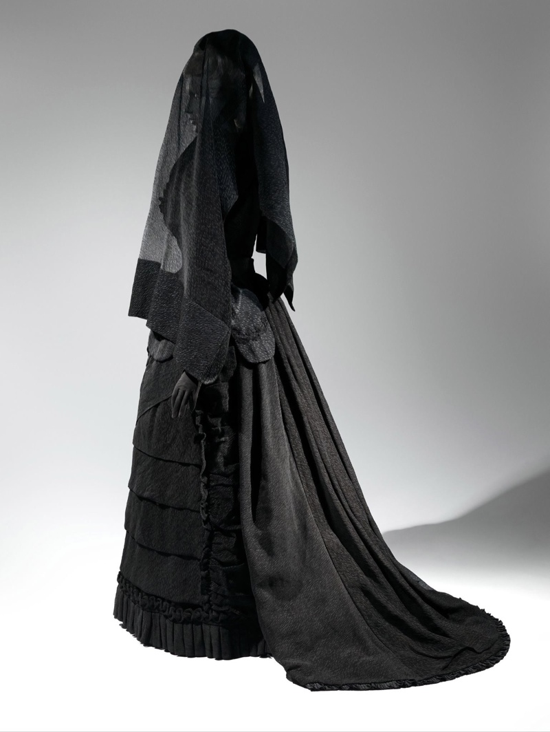 Photo: Mourning Ensemble | 1870-1872 | American. Courtesy of Metropolitan Museum of Art