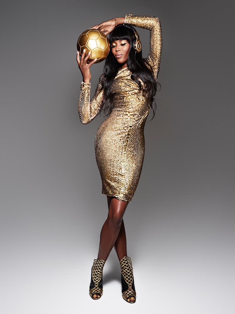 naomi cambell beats dre world cup gold2 Naomi Campbell Shines in Beats by Dres Golden Shoot for the World Cup