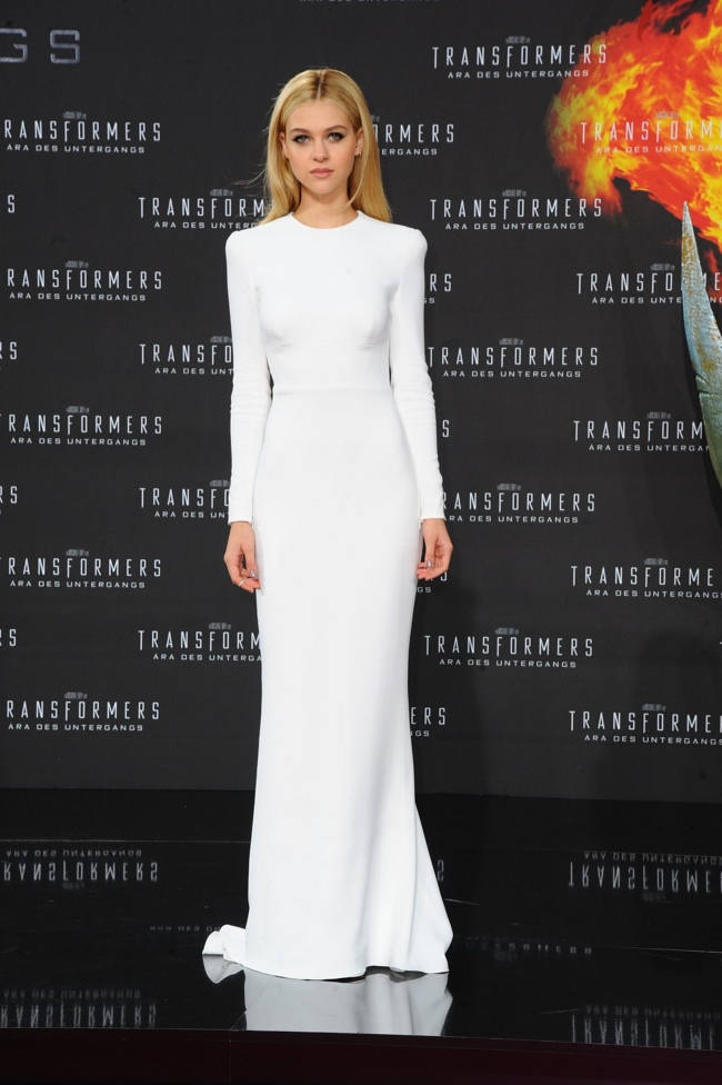 nicola peltz stella mccartney dress looks1 Nicola Peltz Stuns at Transformers Events in 2 Stella McCartney Looks