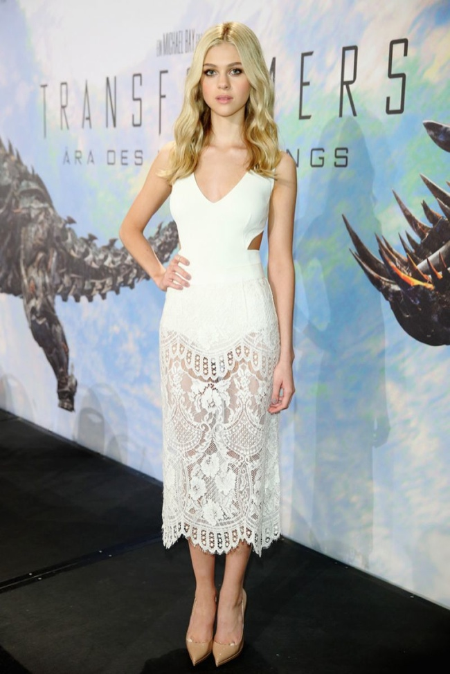 nicola peltz stella mccartney dress looks2 Nicola Peltz Stuns at Transformers Events in 2 Stella McCartney Looks