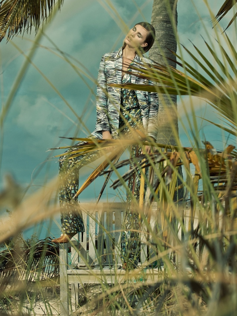 paule de luna photography 2014 6 Keke Lindgard Poses in the Bahamas for SCMP Style by Paul de Luna