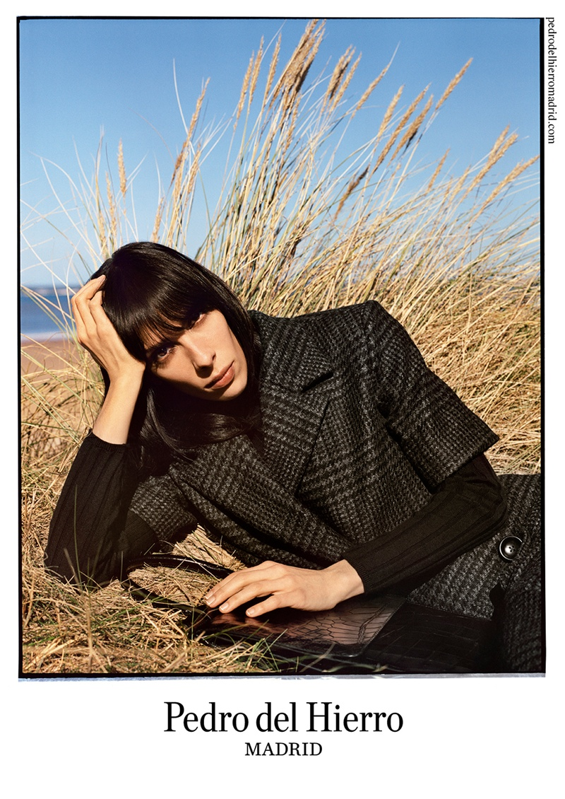 pedro del hierro 2014 fall winter campaign4 Pedro del Hierro Taps Jamie Bochert for Seaside Fall 2014 Campaign