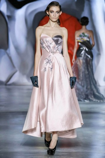 ulyana-sergeenko-2014-fall-haute-couture-show30