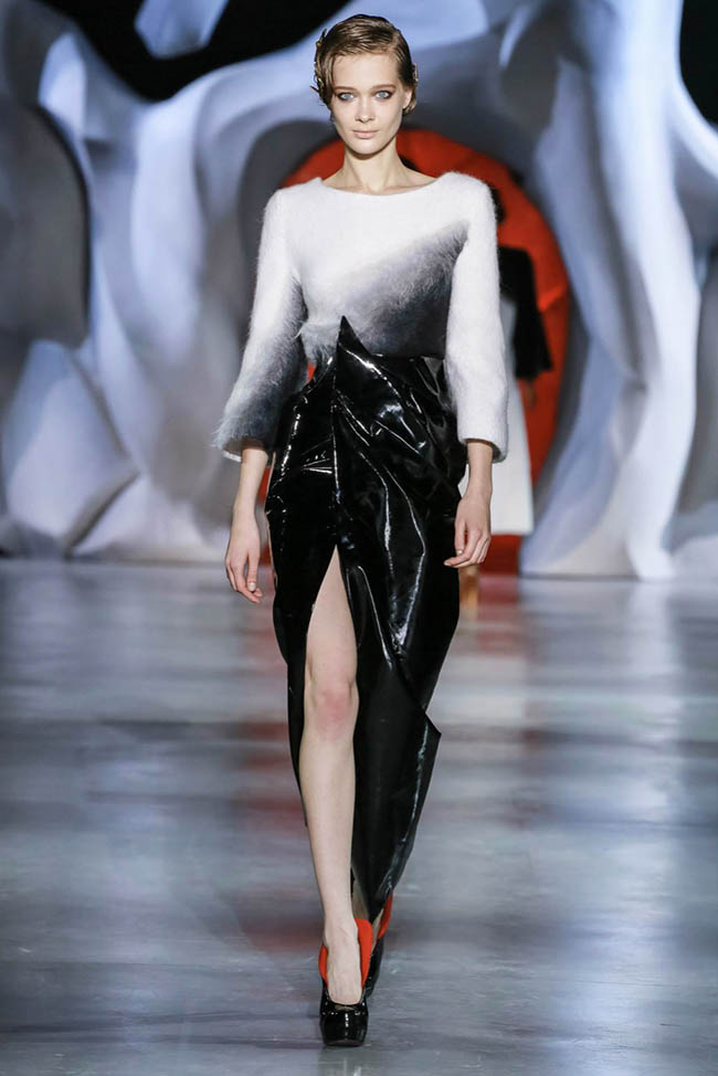 ulyana-sergeenko-2014-fall-haute-couture-show35