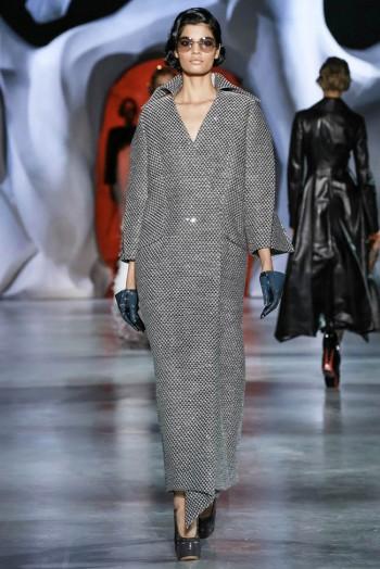 ulyana-sergeenko-2014-fall-haute-couture-show39