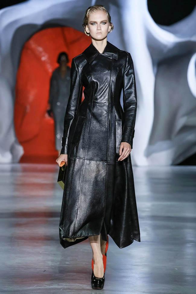 ulyana-sergeenko-2014-fall-haute-couture-show40