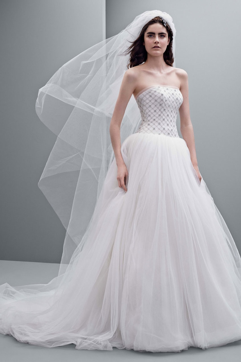 vera wang fall 2014 bridal dresses3 White by Vera Wangs Enchanting Fall 2014 Wedding Dresses