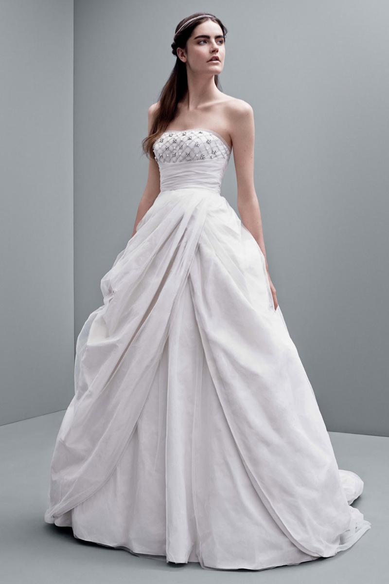 vera wang fall 2014 bridal dresses5 White by Vera Wangs Enchanting Fall 2014 Wedding Dresses