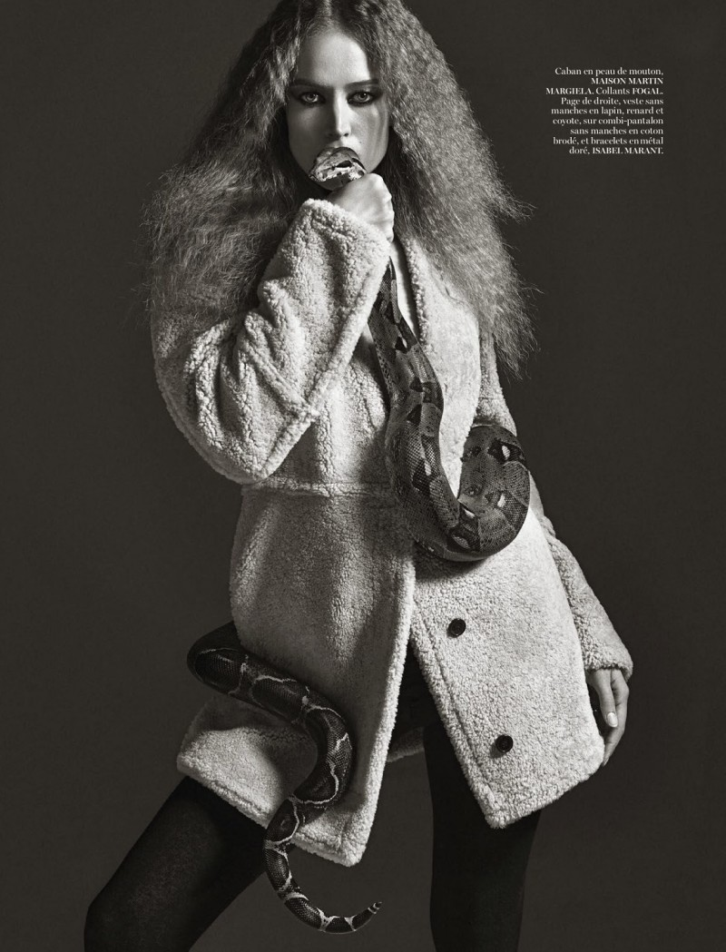 vp008 800x1049 Raquel Zimmermann is a Snake Charmer for Mario Sorrenti Shoot in Vogue Paris