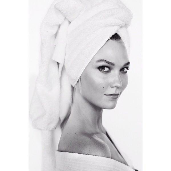 Karlie-Kloss-Mario-Testino-Towel-Series
