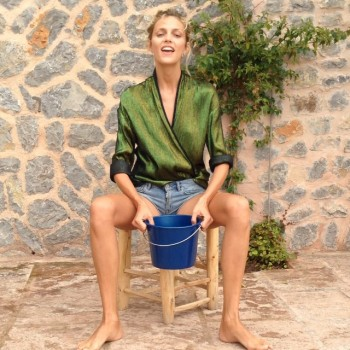 anja-rubik-ice-bucket-challenge-video