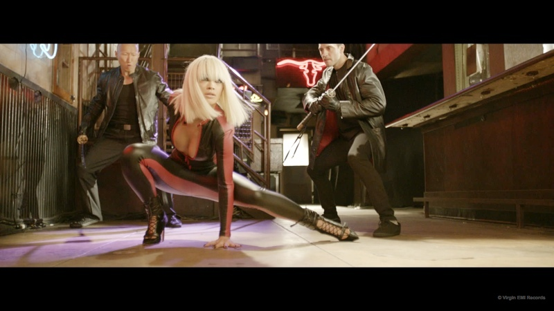 black-widow-music-video-iggy-azalea-rita-ora03