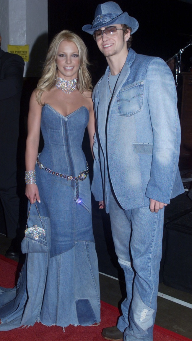 Britney Spears and Justin Timberlake at the 2001 MTV VMAs