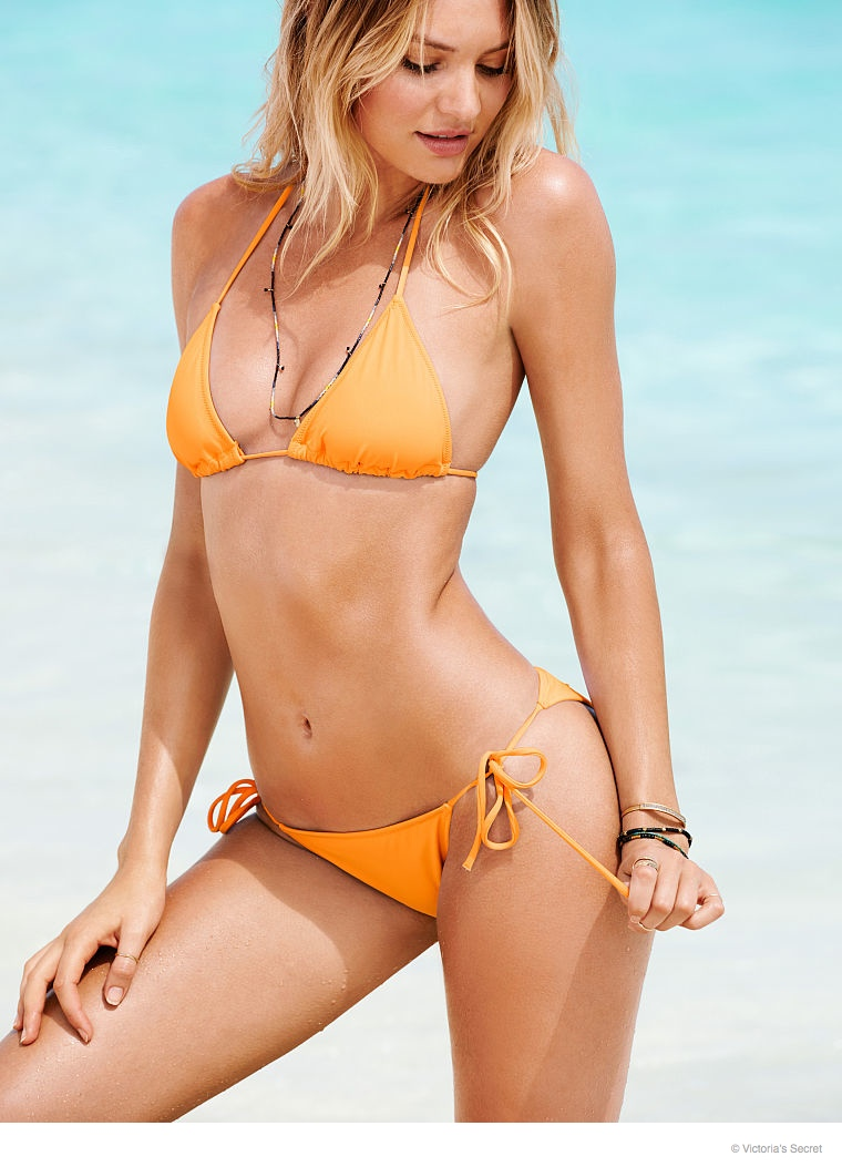 candice-swanepoel-beach-photos-2014-19