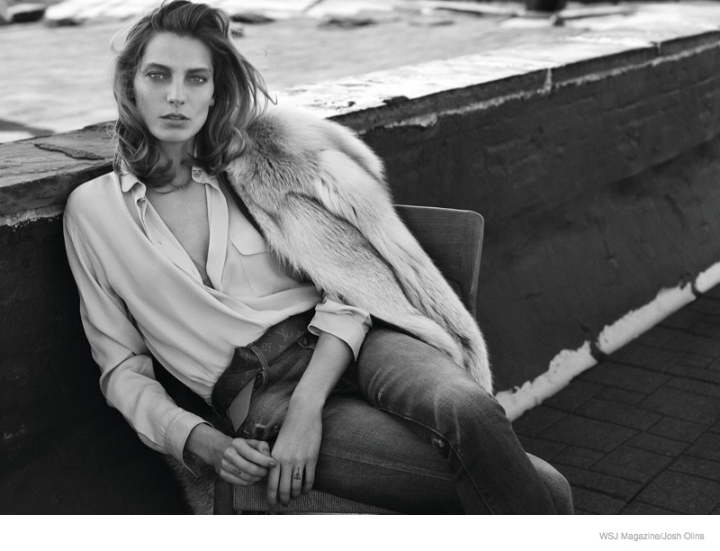 daria werbowy casual luxe04 Daria Werbowy Wears Fur, Denim for Casual Luxe Shoot in WSJ