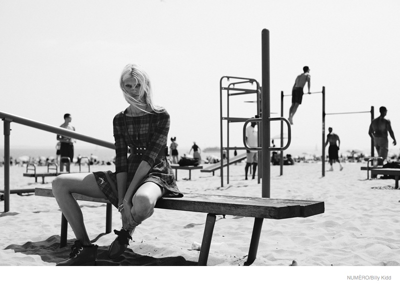 devon windsor coney island shoot7 Coney Island Fashion: Devon Windsor by Billy Kidd for Numero #156
