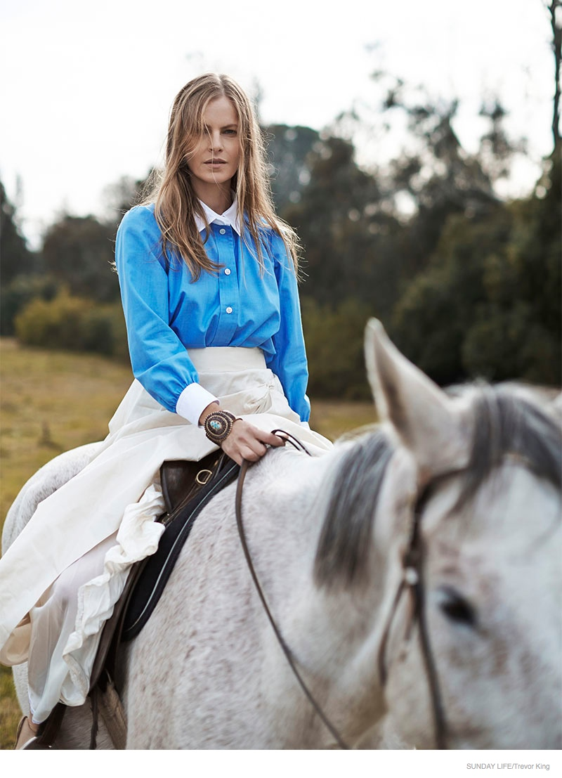 emma-balfour-horse-fashion-shoot-01